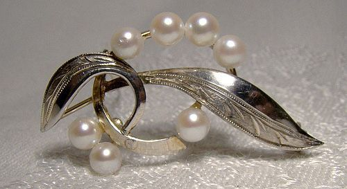 Cultured Pearls Sterling Silver Leaf Pin or Brooch 1930s-50s