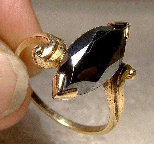 10K Black Alaskan Diamond Hematite Ring 1960s 10 K Size 8-1/2