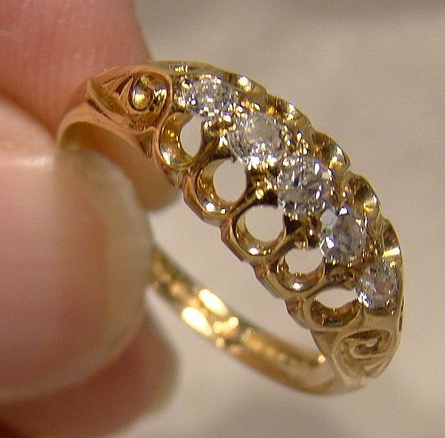 Edwardian 18K Yellow Gold 5 Diamonds Row Ring 1912 Size 6-1/2