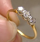 Edwardian 18K Yellow Gold 3 Diamonds Row Ring 1915-1920 Size 7-3/4