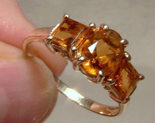 10K Golden Citrene 3 Across Row Ring 1980s - Size 6-3/4