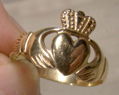 9k Claddagh Ring 9 K Size 8 Irish Wedding Band Yellow Gold