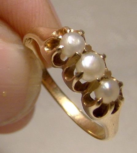 Victorian 14K 3 Pearls Row Ring 1900 - Size 5
