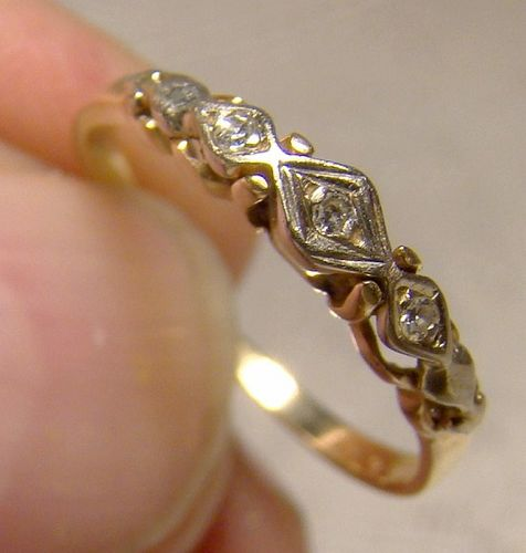 14K Diamonds Row Wedding Band Ring 1940s - Size 4-1/4