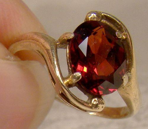 10K Garnet Solitaire Ring 1950s - Size 3-3/4