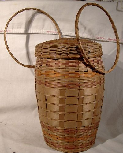 Algonquin Lidded Sewing or Yarn Basket 1930s
