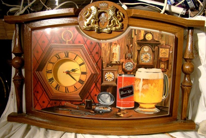 Carling Black Label Beer Light Up Bar Clock Sign 1973