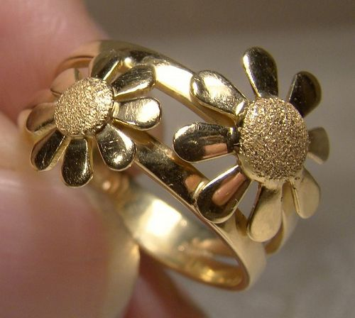 18K Two Daisy Flowers Ring 18 K Yellow Gold Size 6 1/2
