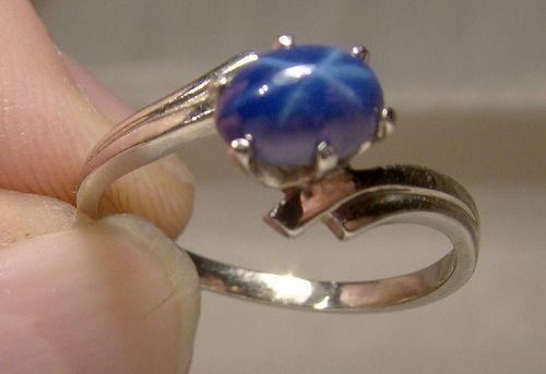 14K White Gold Blue Star Sapphire ring 1970 14 K Size 7 3/4