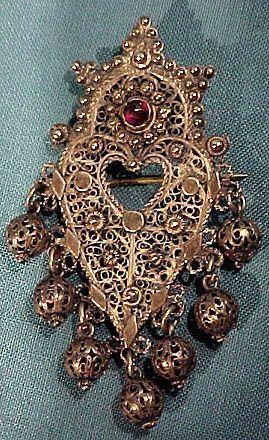 Indonesian Gilt Sterling Silver Filigree Garnet Pin Brooch 1900 1920