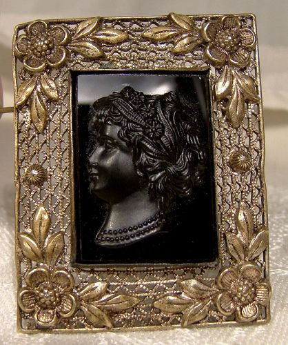 Czech Black Glass Cameo Gilt Brass Filigree Pin Brooch 1920s