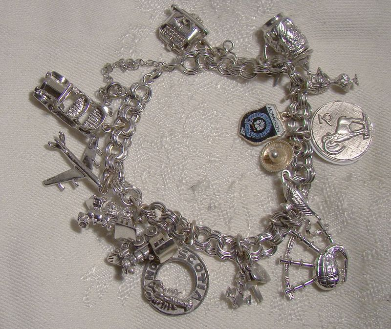Triple Round Links Charm Bracelet with 17 Charms 1970s