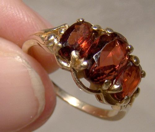 Birks 14K Yellow Gold Triple Garnets Ring 1950s - Size 6-3/4