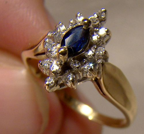10K Blue Sapphire and Diamonds Cluster Ring 1970s - Size 7