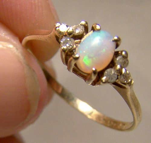 10K Opal and Diamonds Ring 1960s - Size 6