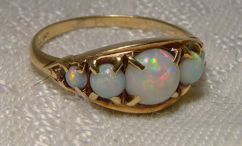 10K Colourful Opals Row Ring 1950s - Size 6-1/2