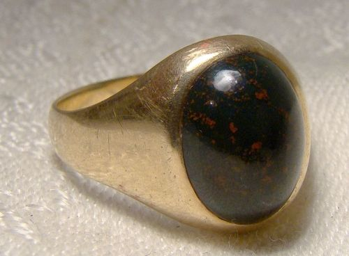 Man's 10K Bloodstone Cabochon Signet Style Ring 1930s 1950s - Size 8