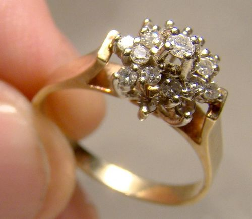 10K Yellow Gold Diamonds Cluster Ring 1970s - Size 6-1/4