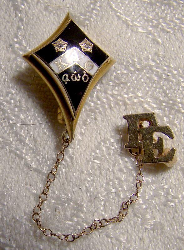 14K Kappa Alpha Theta Sorority Pin With Diamonds and Enamel