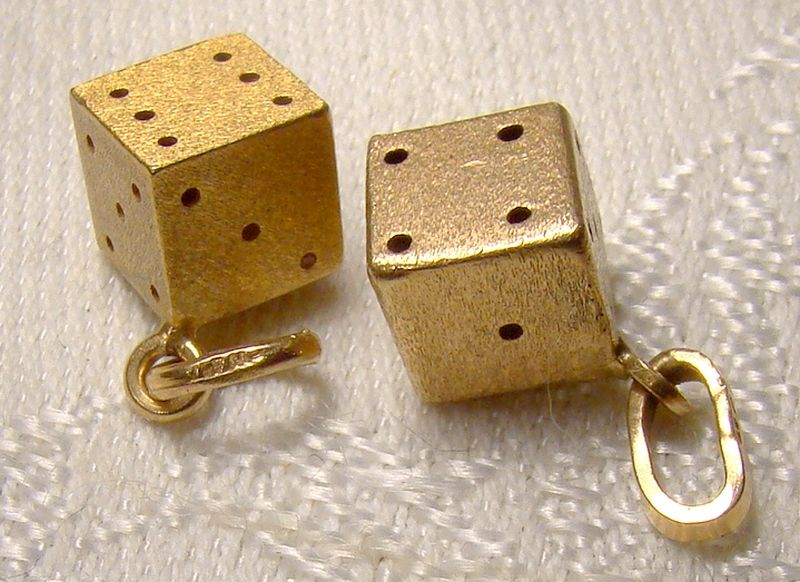Pair of 10K Yellow Gold Dice Charms Pendants 1960s - Perfect earrings