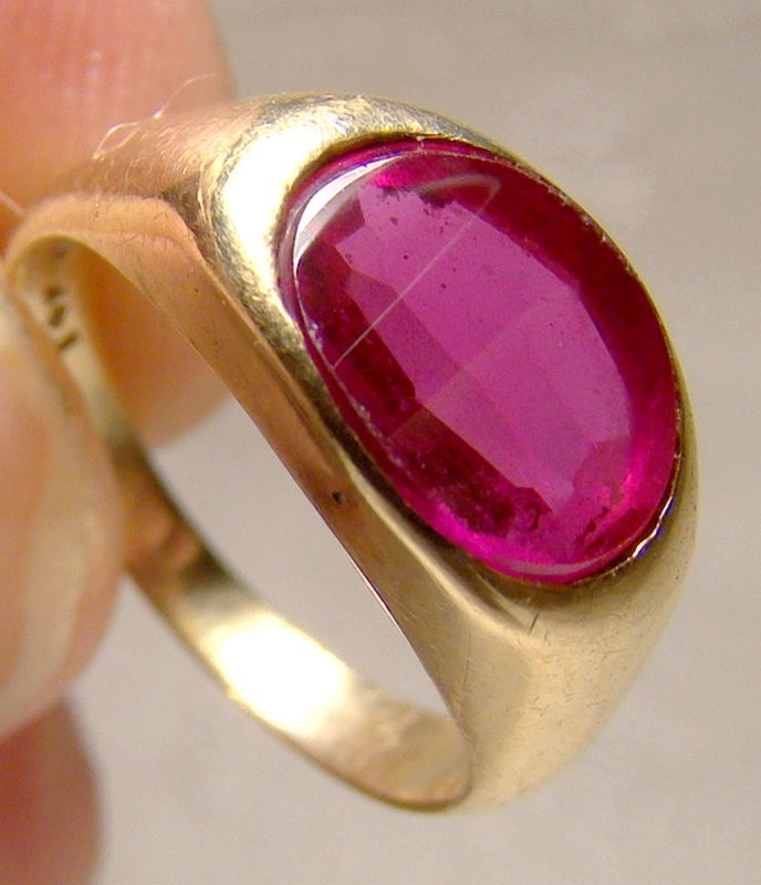 14K Yellow Gold Synthetic Ruby Pinky Ring 1950s 1960s - Size 3-1/2