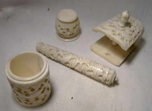 4 Hand Carved Bone Sewing Implements 1890-1900