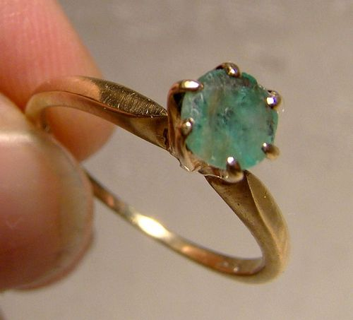 9K Yellow Gold Genuine Emerald Solitaire Ring 1960 - Size 6-1/2