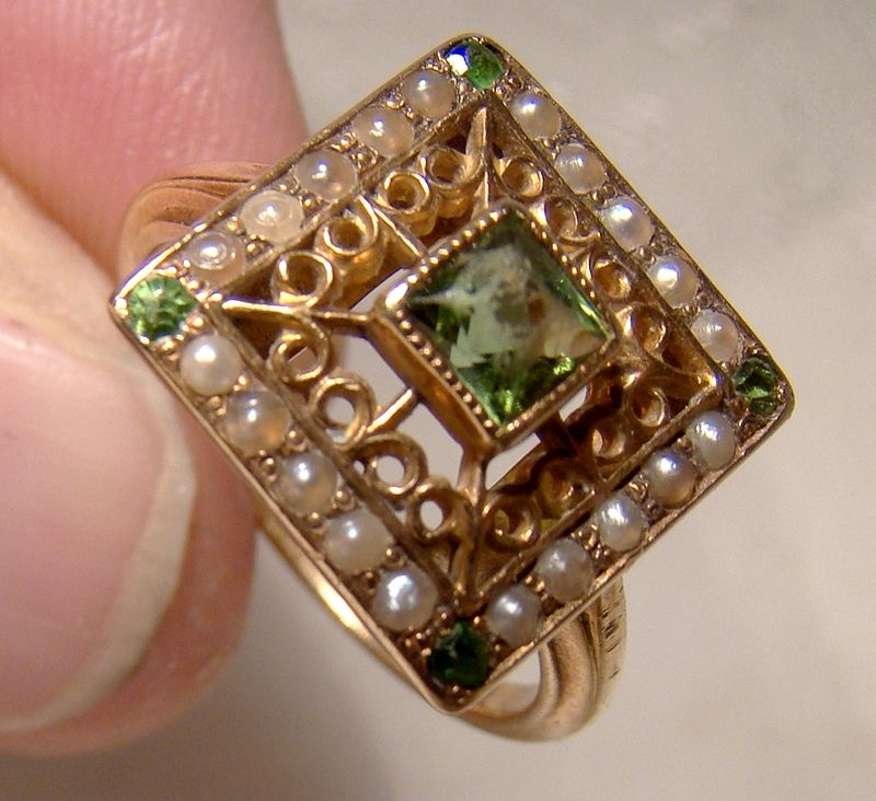 Edwardian 14K Rose Gold Peridot and Seed Pearl Ring 1910-20 Size 5-1/2