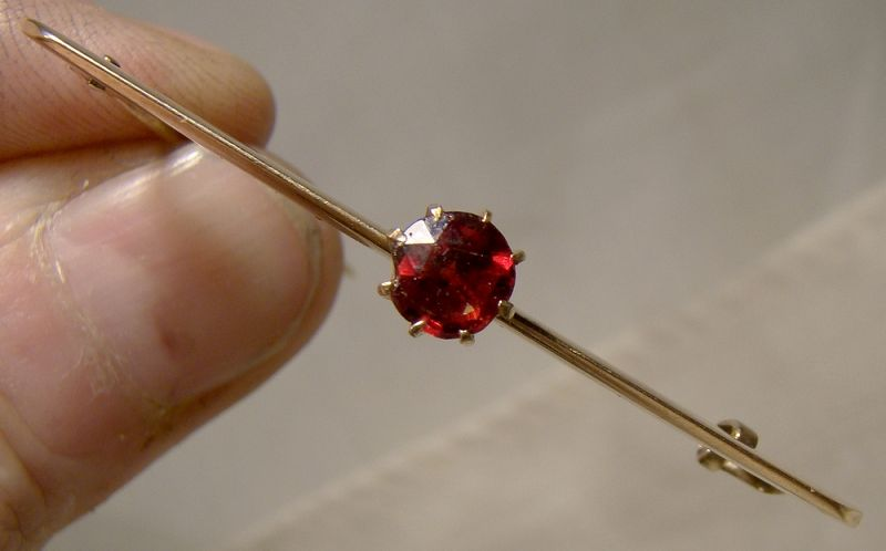 10K Rose Gold Garnet Bar Pin Brooch 1880-1910