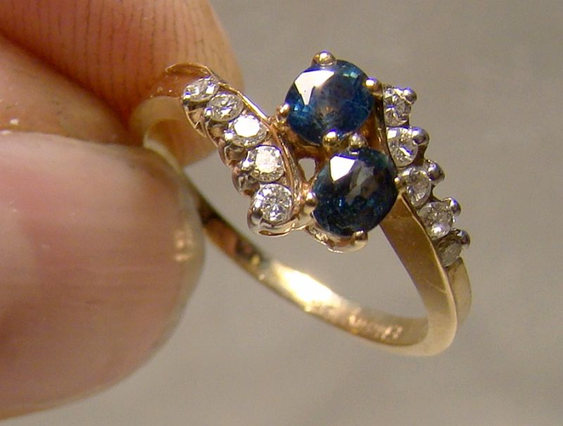 10K Yellow Gold Blue Topaz and Diamonds Cluster Style Ring 1970s-80s