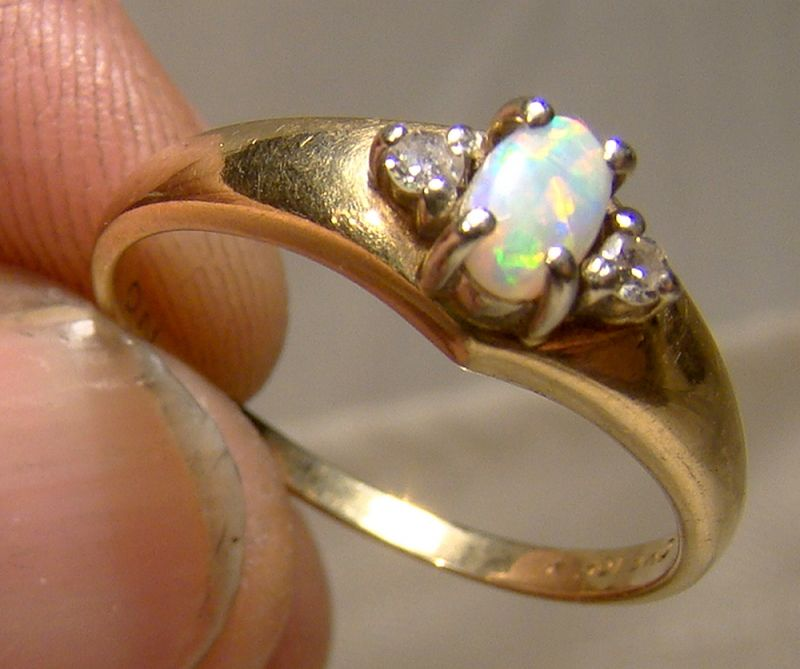 10K Yellow Gold Opal and Diamonds Ring 1960s - Size 7-1/2