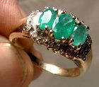 10K Yellow Gold 3 Emeralds and Diamonds Surround Ring 1970s-80s