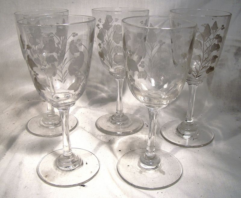 59a840cc4063 Fine Antique Glass - 18th century glass to early 20th century art glass