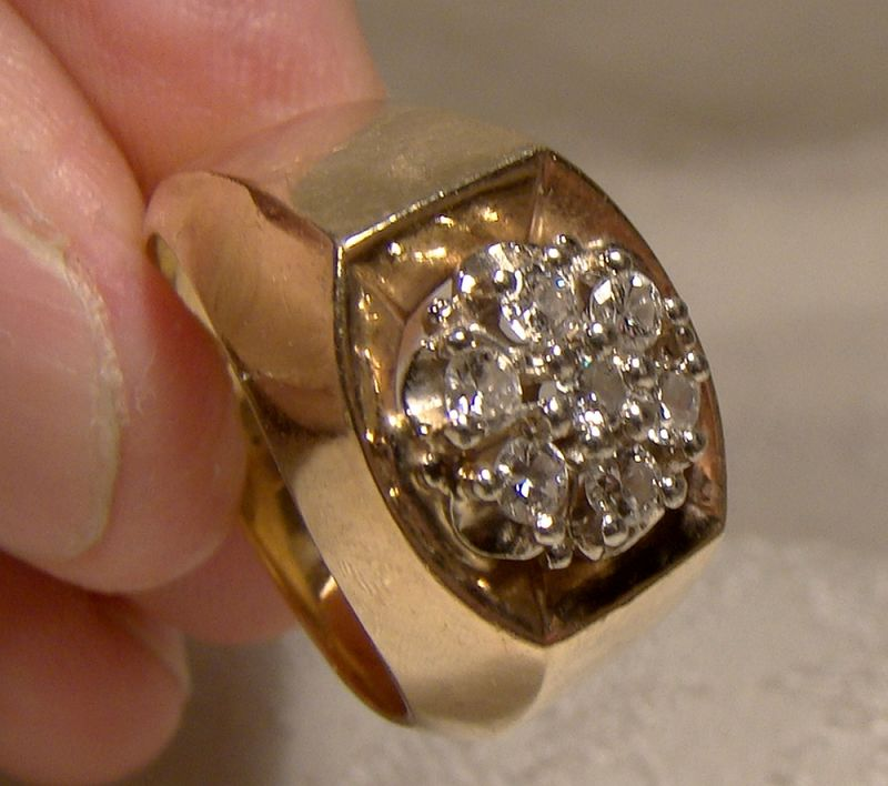10K Yellow Gold Diamonds Round Cluster Ring 1960s - Size 7-1/4