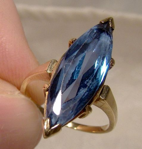 10K Yellow Gold Blue Spinel Marquise Ring 1950s - Size 4-1/2