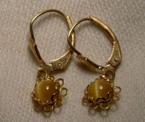 14K Yellow Gold Tiger Eye Cabochon Dangle Earrings 1950s