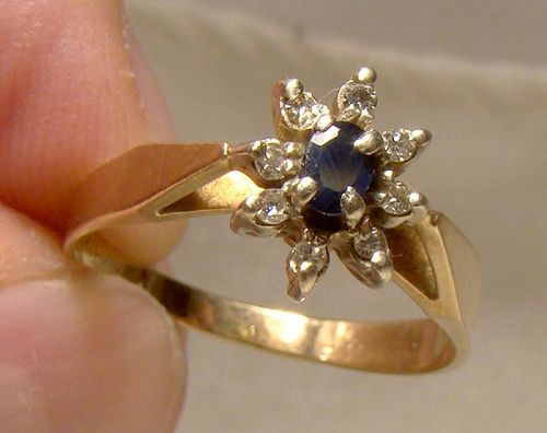 10K Yellow Gold Blue Topaz and Diamonds Cluster Ring 1960s -Size 6-3/4