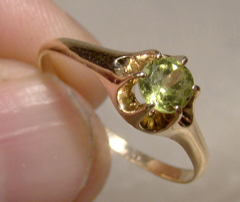 10K Rose Gold Peridot Solitaire Ring 1920-30 - Size 7
