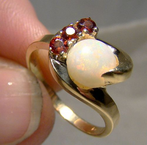 10K Yellow Gold Opal and Garnets Ring 1950s - Size 6-3/4