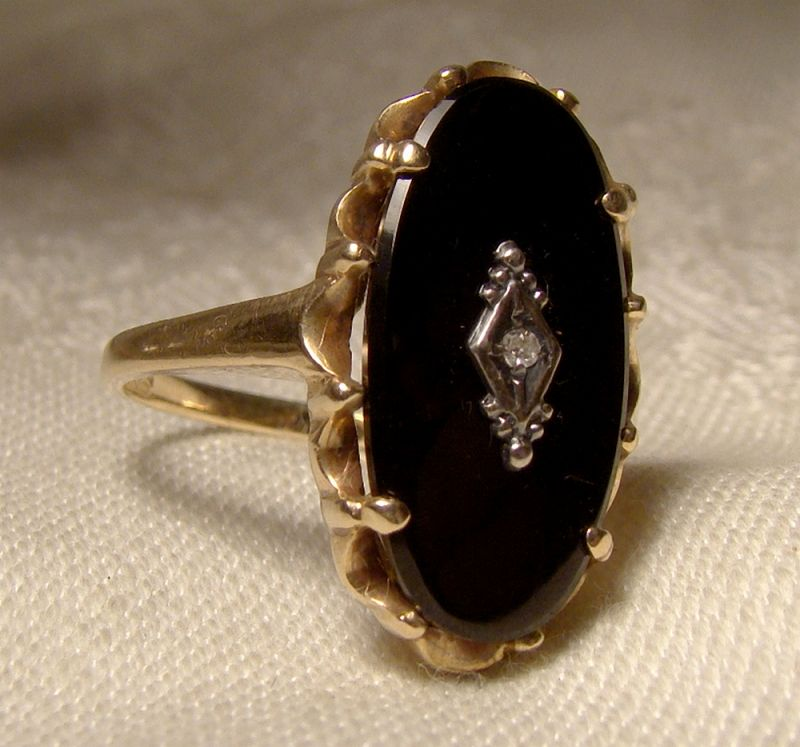 10k Yellow Gold Oval Black Onyx and Diamond Ring 1950s - Size 9
