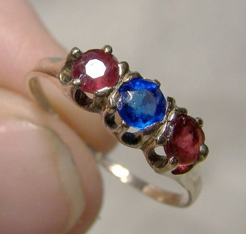 10K Yellow Gold Two Garnets and Blue Glass Stone Ring 1900 -Size 6-1/4