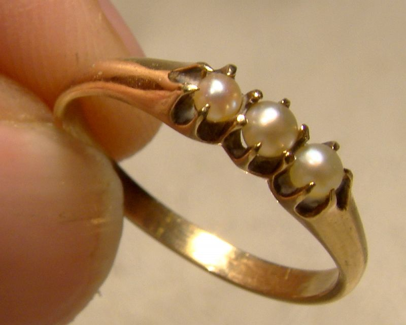 Edwardian 10K Three Pearls Row Ring 1900-1910 - Size 6-1/2