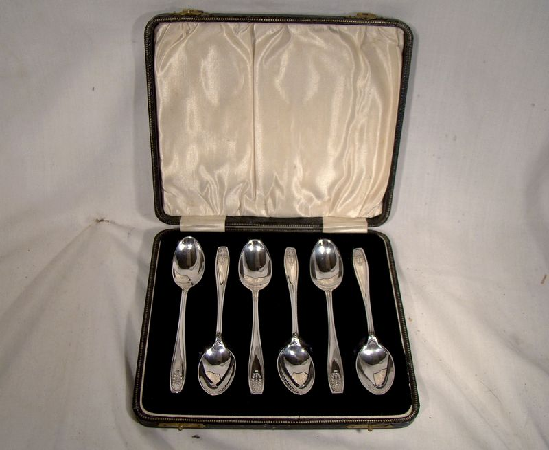 English Sterling Silver Coffee Spoons Set in Original Fitted Box 1927