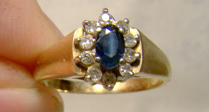 10K Yellow Gold Blue Sapphire and Diamonds Ring 1970s - Size 6-1/4