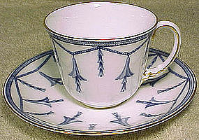 Royal Crown Derby BLUEBELLS on CHAIN 4685 CHINA