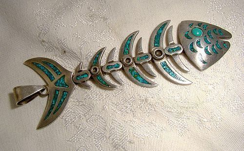 MEXICAN STERLING SILVER TURQUOISE ARTICULATED FISH PENDANT 1950s