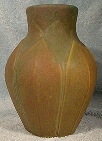 Roseville EARLY VELMOSS POTTERY VASE