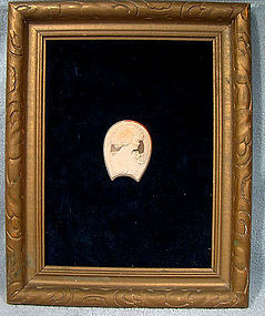 HORSESHOE SHAPE SHELL CAMEO MOUNTED IN FRAME 1930s 1940