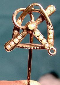 14K SEED PEARLS EQUESTRIAN / POLO CRAVAT STICKPIN 1900
