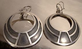 MEXICAN PATINATED STERLING SILVER HOOP EARRINGS c1970s